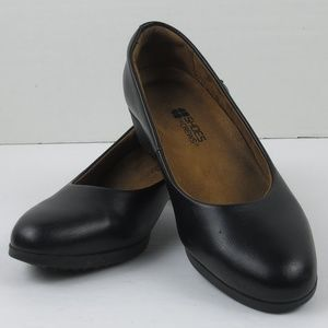 Shoes for Crews Non-Slip Black Leather Pumps Sz 6